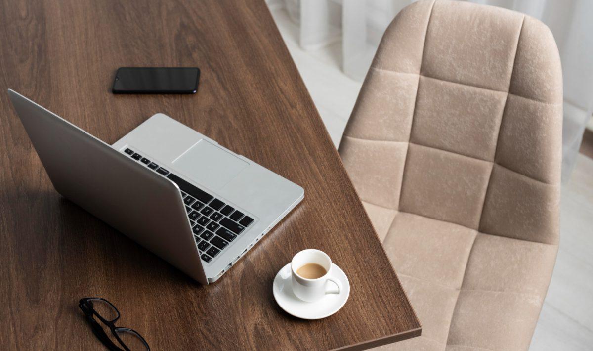 Jak przystało na rasowy laptop biznesowy, oprócz wysokiej wydajności,Dell XPS 17 9710oferuje użytkownikom wysoki komfort w trakcie pracy